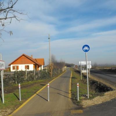 Kerékpárút Balmazújváros és Nagyhegyes között